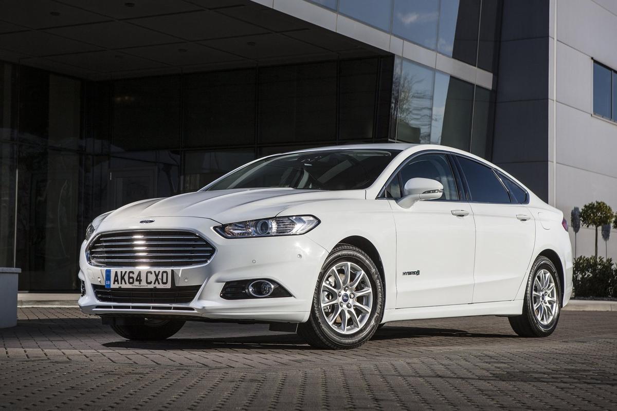 Ford-Mondeo_Hybrid-2015-1600-01