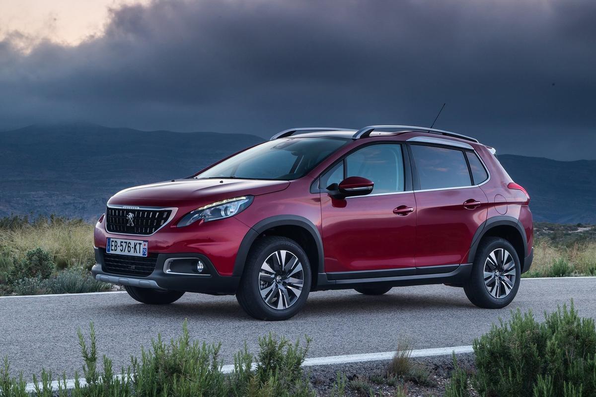 Peugeot-2008-2017-1600-01