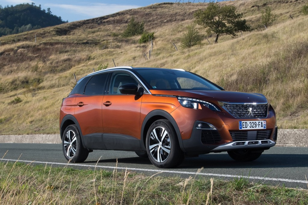Peugeot-3008-2017-1600-01