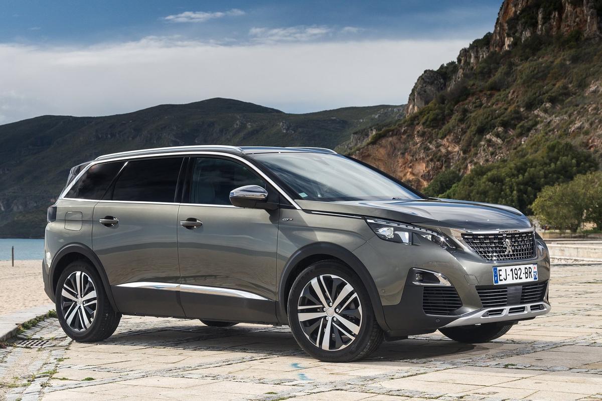 Peugeot-5008-2017-1600-04