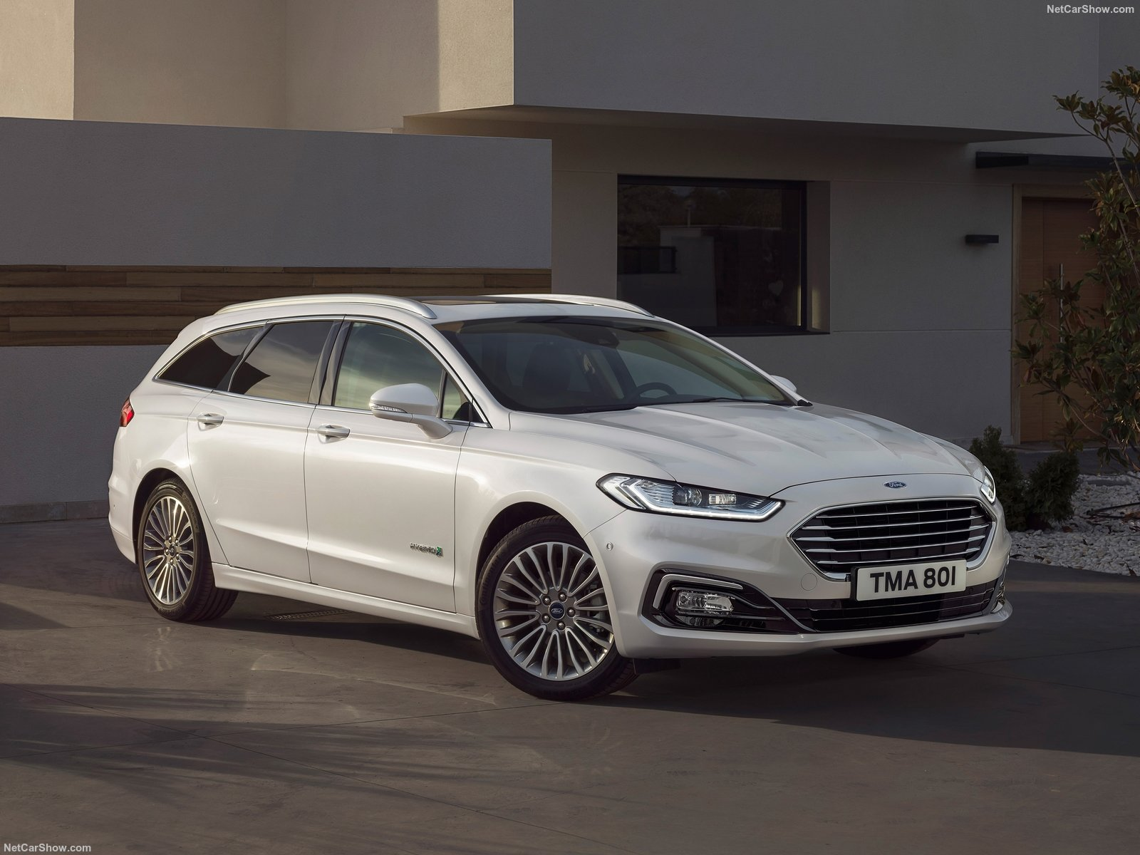 Ford-Mondeo_Wagon_Hybrid-2019-1600-01 (1)