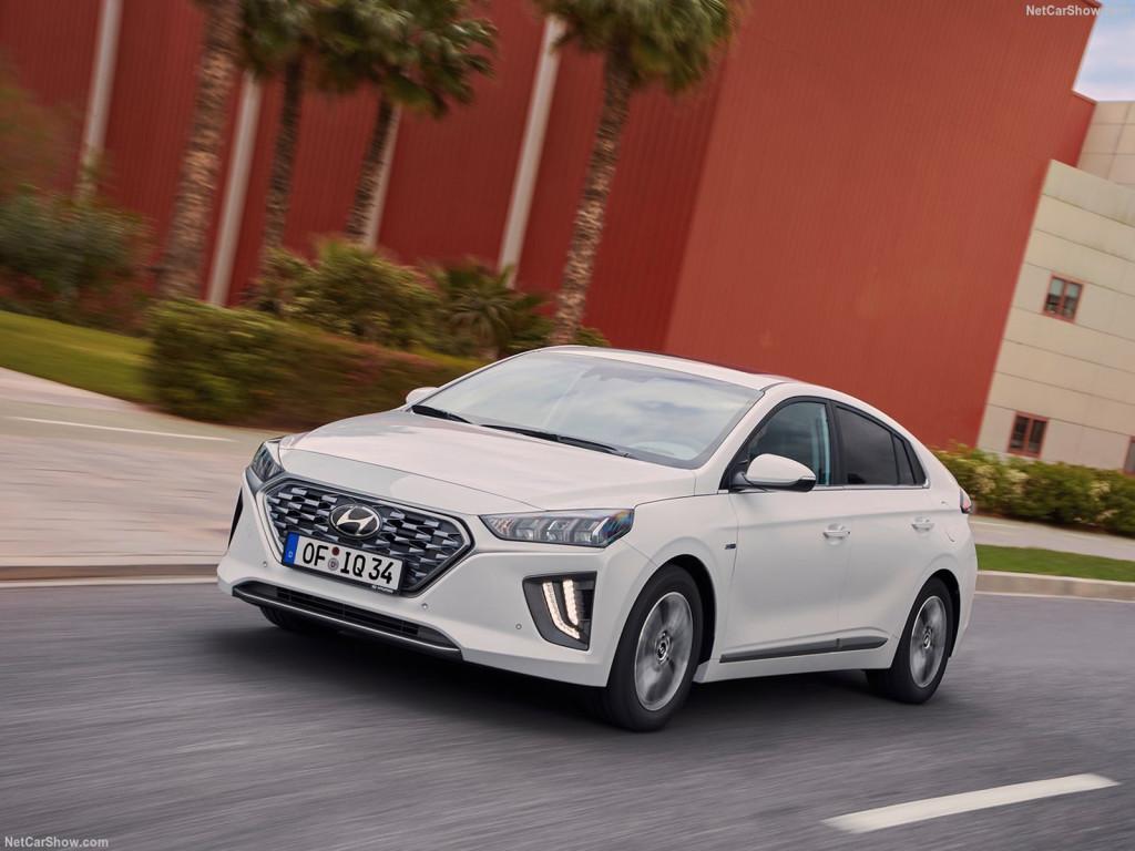 Hyundai-Ioniq-hybrid_2020-1280-18