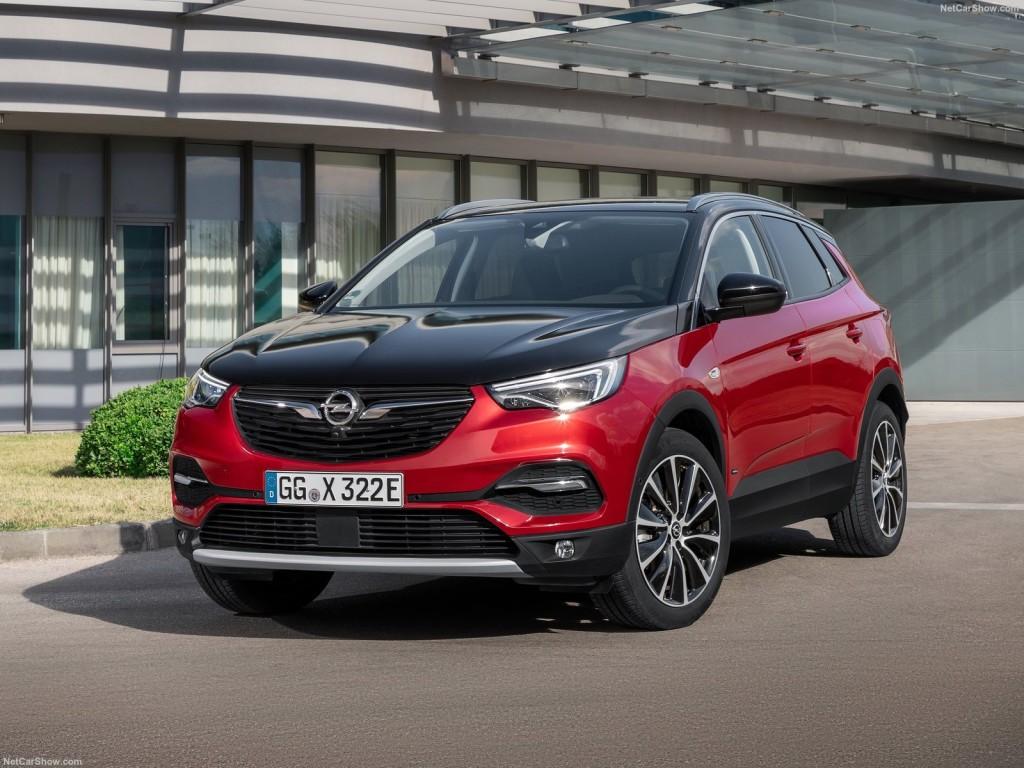 Opel-Grandland_X_Hybrid4