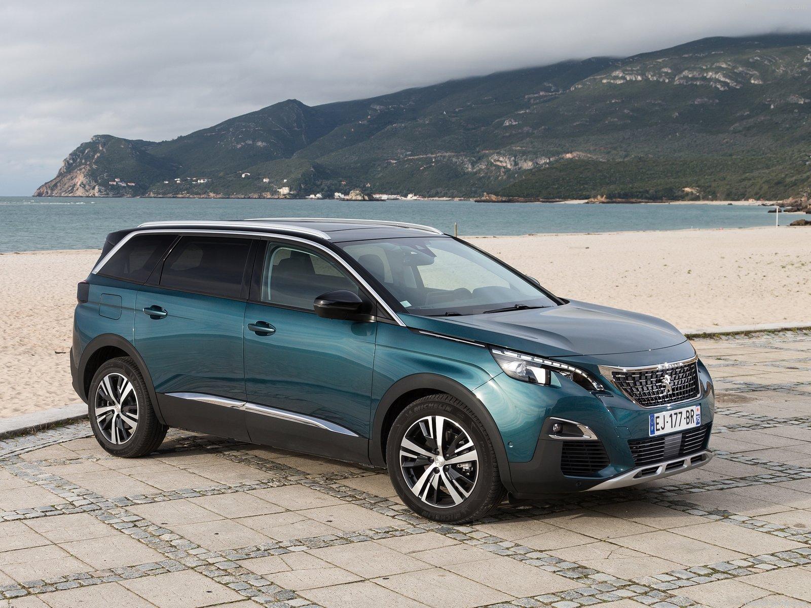 Peugeot-5008-2017-1600-03